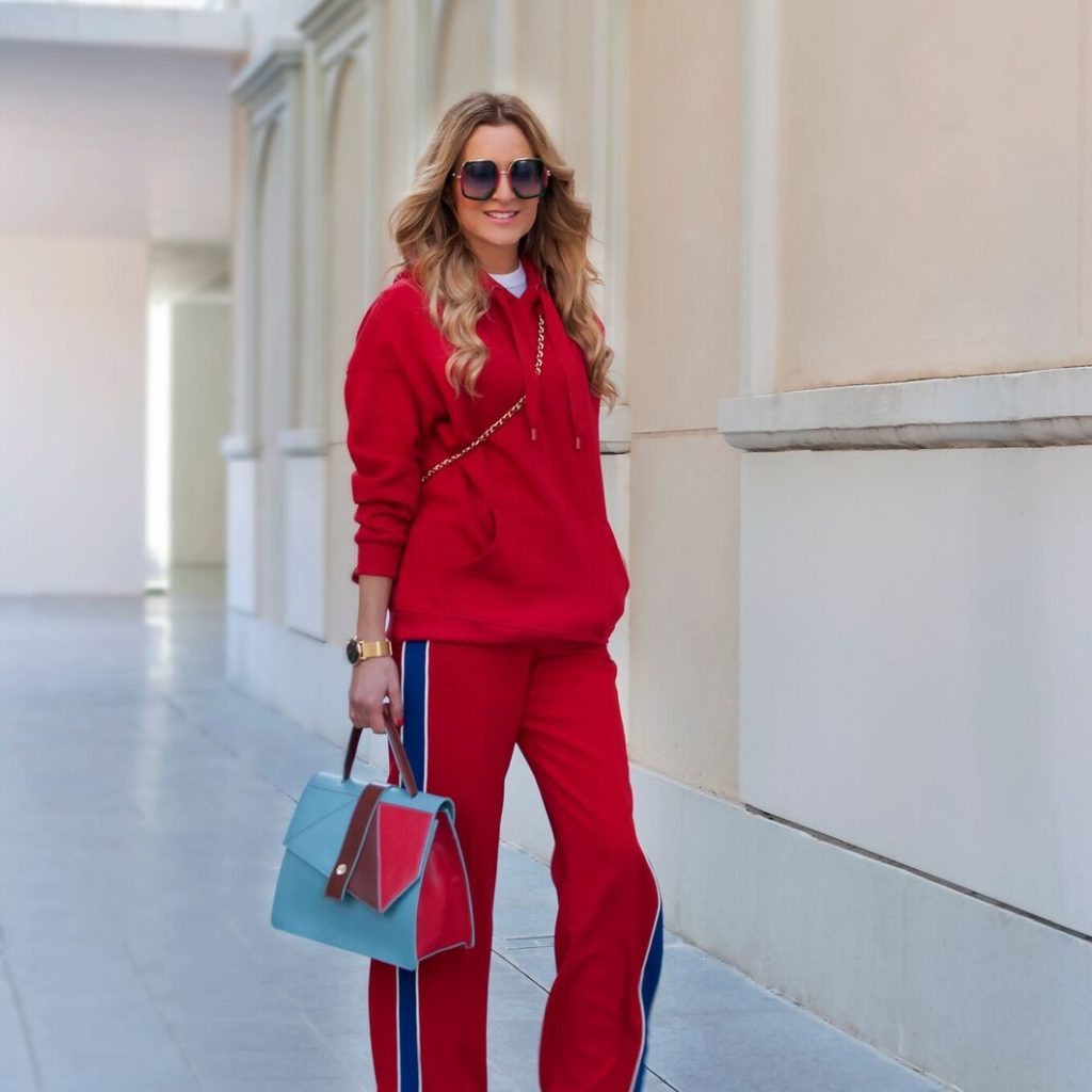 RED TOTAL LOOK
