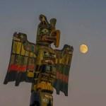 Moonrise totem