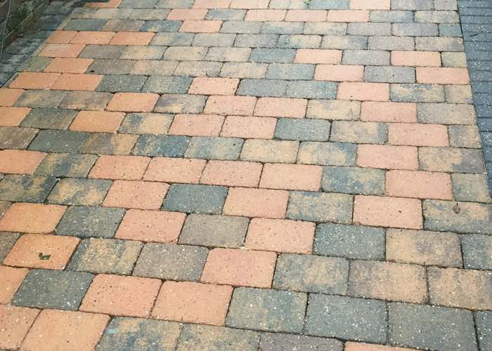Driveway Cleaning in Birkdale