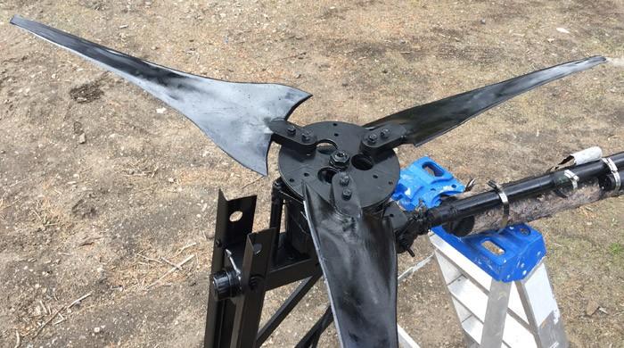 3-Blade-wind-turbine-spraybomb