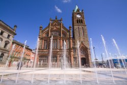 Derry_Guildhall_fountains