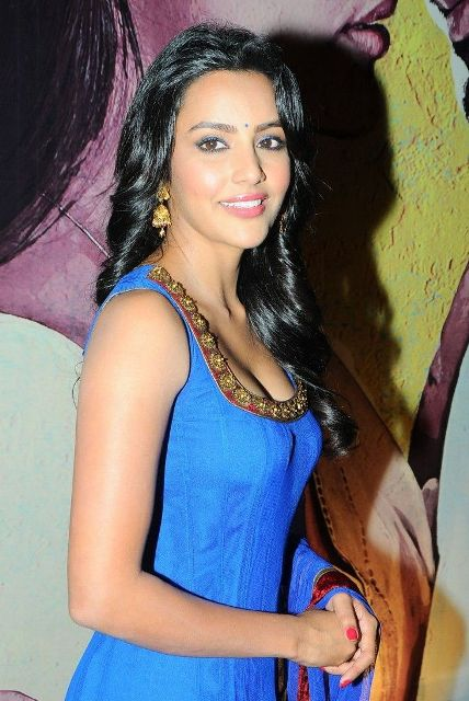 Film Actress Hd Wallpapers Priya Anand Bra Size Age Weight Height Measurements