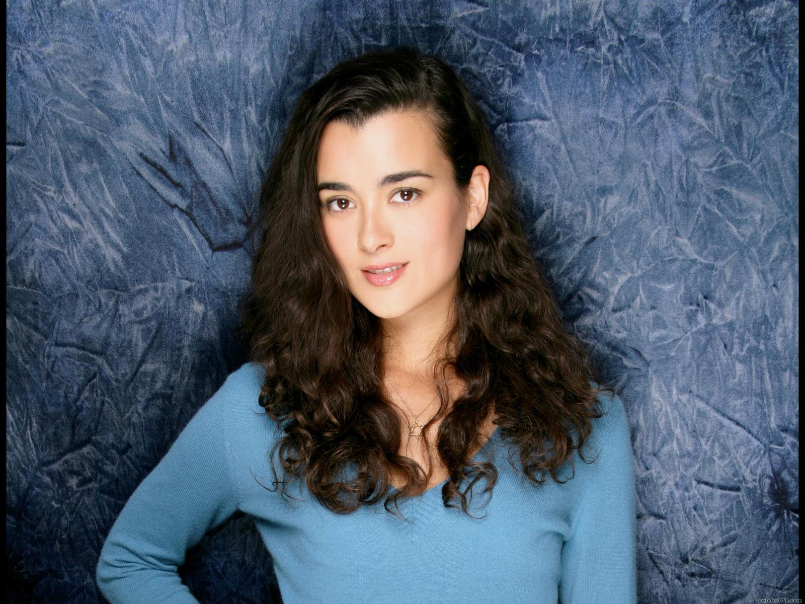 Cote De Pablo Hot 9 Cote De Pablo High quality wallpaper size 1600x1200 of Cote de Pablo x