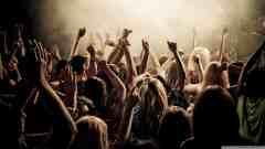 concert_crowd-wallpaper-2400×1350