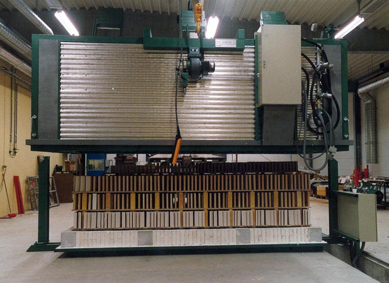Ceradel Industries: Hood furnaces
