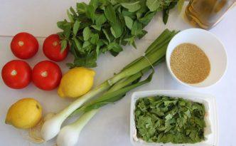 Le taboulé libanais en préparation (recette demain!)