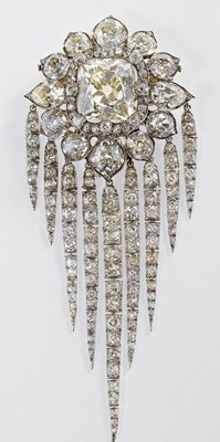 Queen-Victorias-Fringe-Brooch-1856-R-S-Garrard