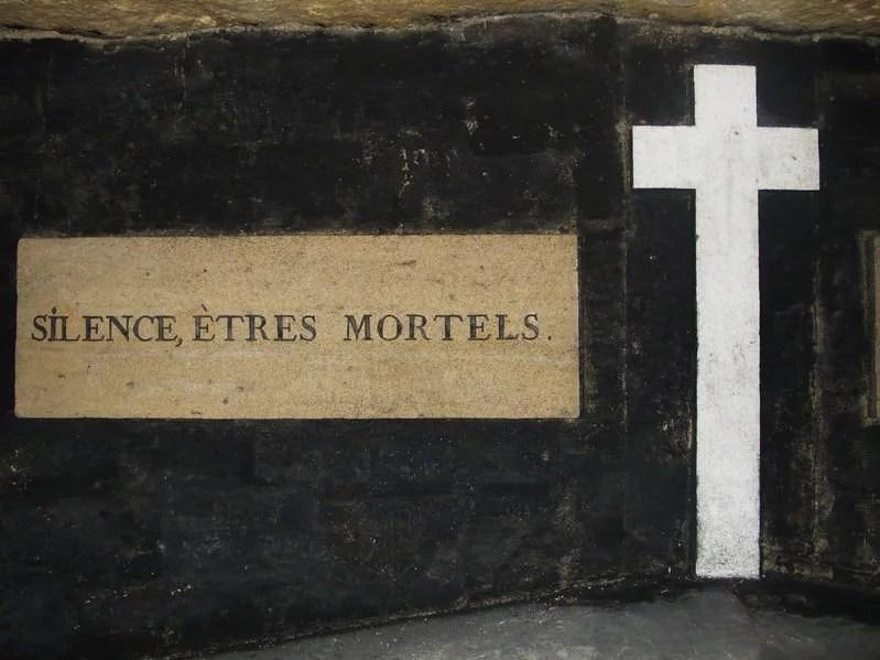Catacombs mortal sign