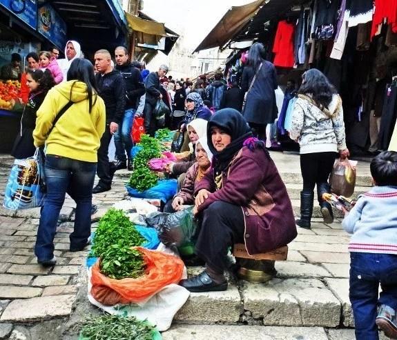 PI 1 Jerusalem Muslim Quarter produce vendors (575x493)