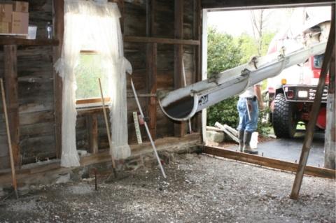 white-aisle-barn-reno.jpg