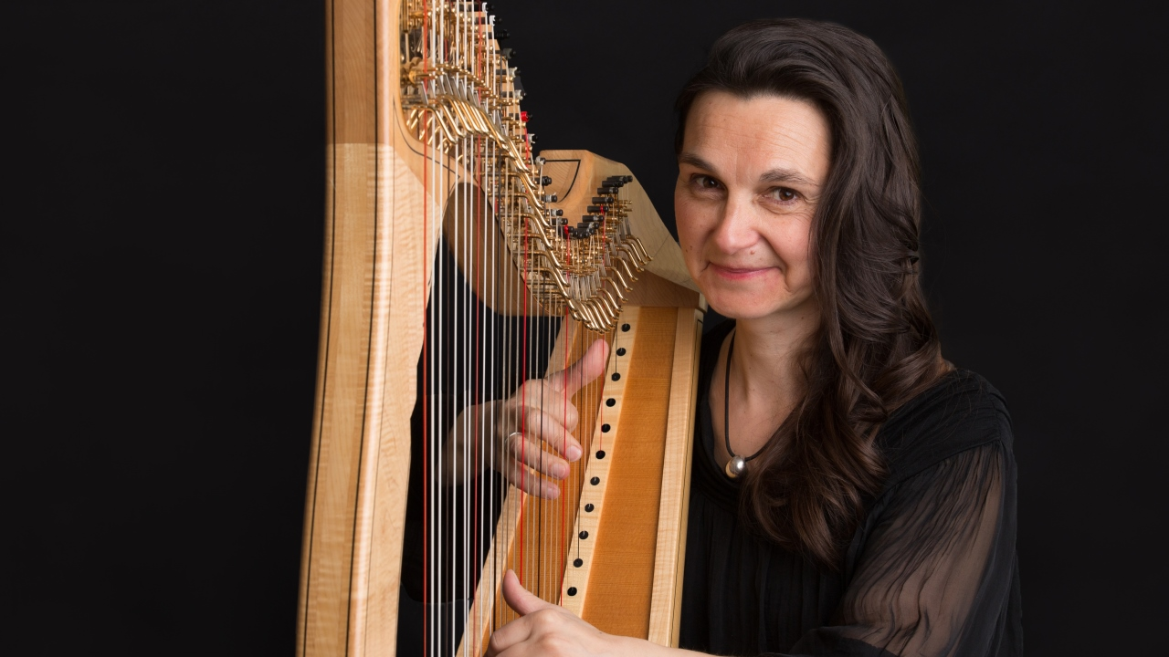Charlotte Petersen Scottish Harpist