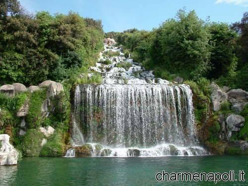 Reggia di caserta tutto su fontane e giardino inglese for Cascata per laghetto