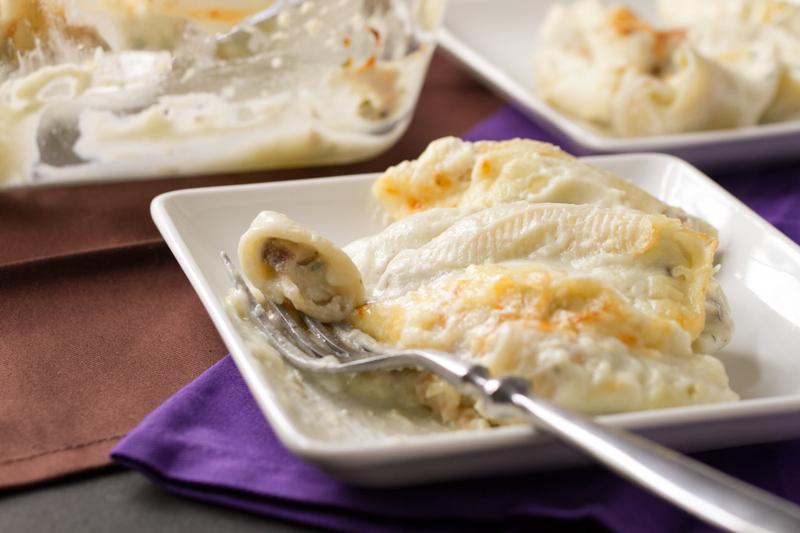 stuffed shells with mushrooms & cauliflower sauce // chattavore