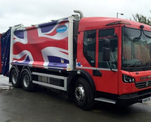 98105418_This-rubbish-truck-emblazoned-with-a-huge-Union-Flag-has-been-taken-out-of-service---becaus-large_trans++eo_i_u9APj8RuoebjoAHt0k9u7HhRJvuo-ZLenGRumA