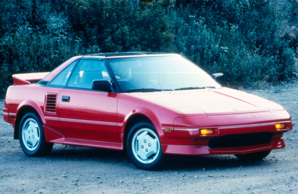 10 Cars That Will Make You Miss Pop-Up Headlights - Page 8