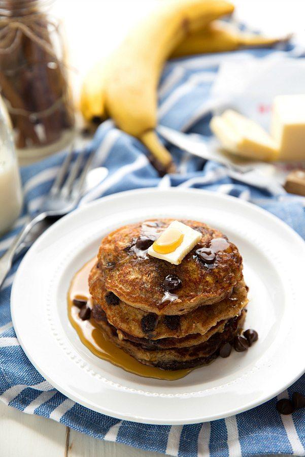 FLOURLESS + HEALTHY Chocolate-chip oatmeal cookie pancakes with Greek yogurt