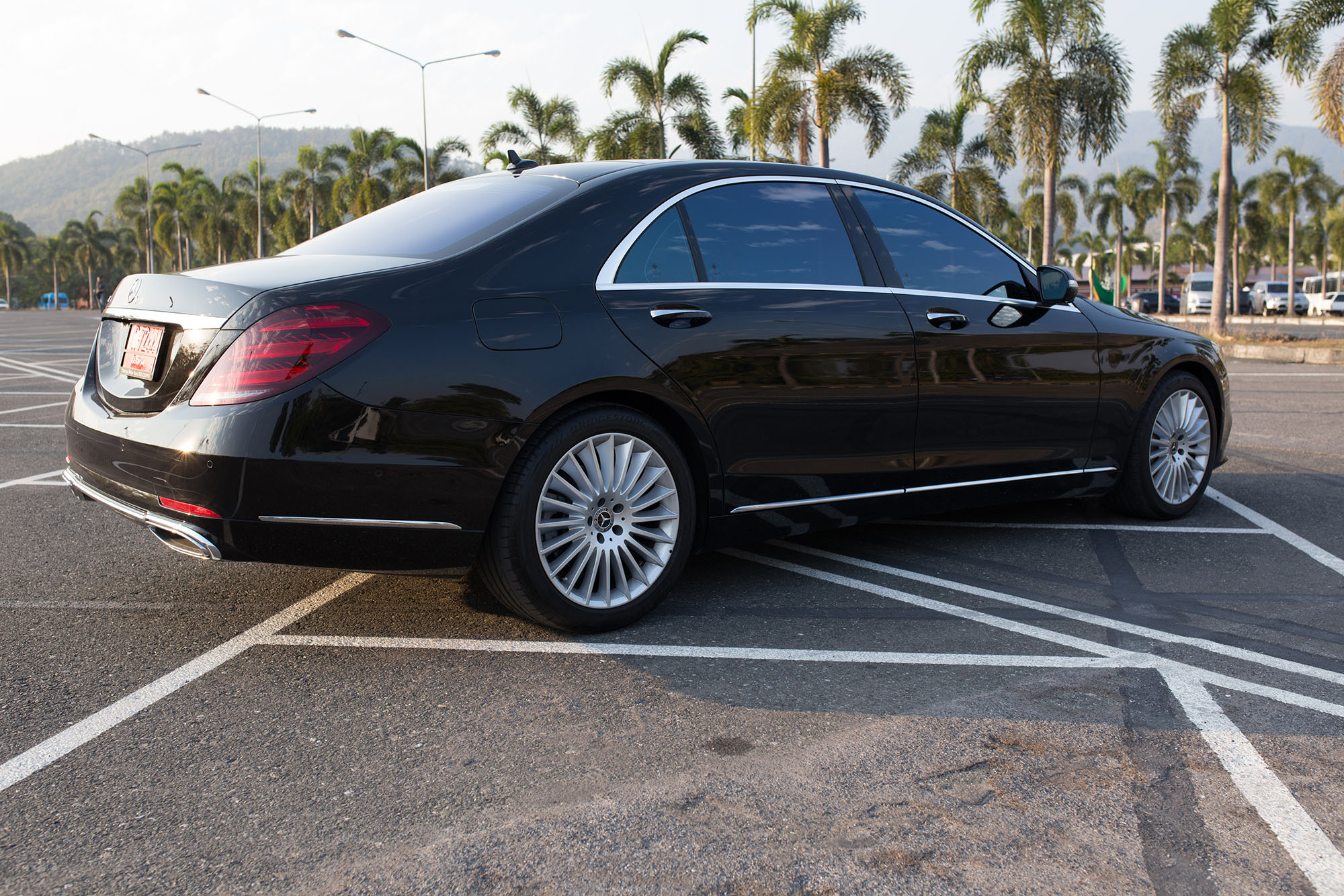 benz s class luxurious car for rental in chiangmai lamphun