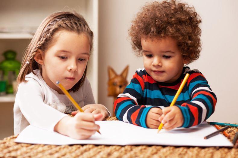 preschoolers-girl-boy-studying
