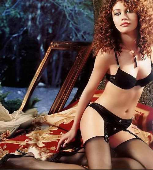 Fall Max Payne Hd Wallpapers New Quot Bond Girl Quot Olga Kurylenko Poses In Lingerie