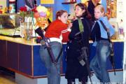 girls-carrying-guns-israel-jew-03