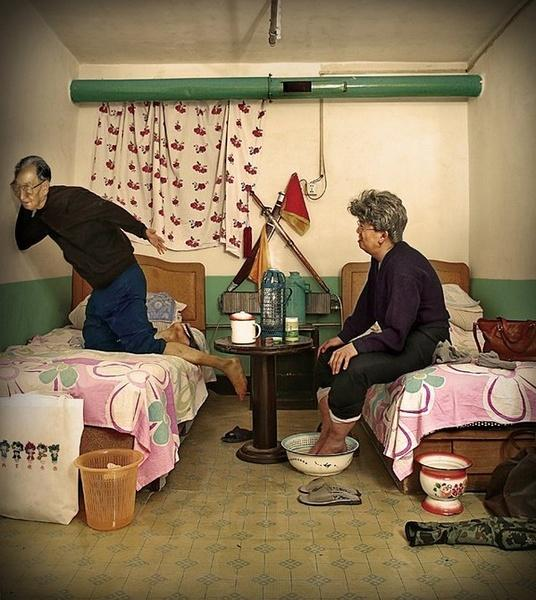 chinese-hotel-room-stories-old-couple-evesdropping
