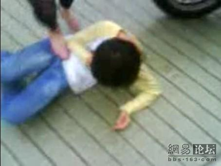 guangdong-girls-teen-beating-kicking-05