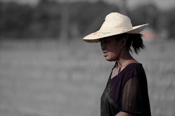 china-poor-rural-girl-05-mother