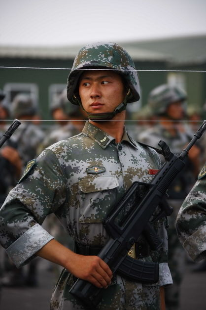 chinese-army-trianing-for-national-day-parade-60th-anniversary-10