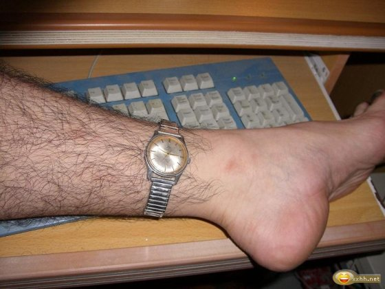 china-arm-watch-cash-computer-internet-joke-09