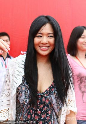 Sora Aoi meets Chinese fans at the International Motor Festival in Nanchang, China.