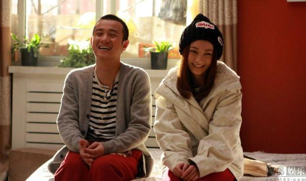 Wen Zhang (left) and Yao Di (right) in Naked Wedding.
