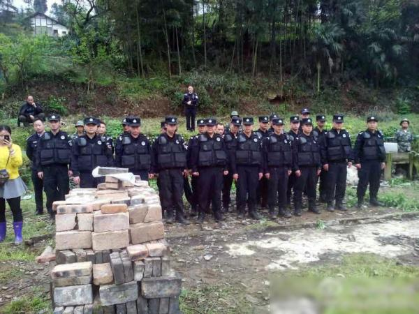 sichuan-gulin-villagers-clash-with-police-over-old-tree-10