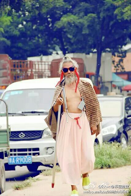china-luoyang-chinese-most-fashionable-homeless-person-in-history-05