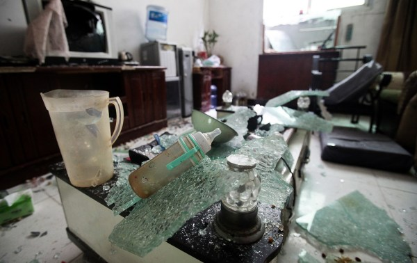 xian-china-home-invasion-forced-demolition-residents-beaten-intimidated-03