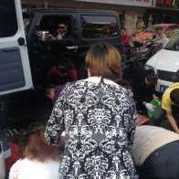 china-changsha-crabs-alligator-spilled-in-traffic-accident-looted-by-chinese-passerbys-03