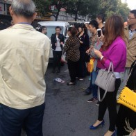 china-changsha-crabs-alligator-spilled-in-traffic-accident-looted-by-chinese-passerbys-21
