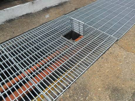 Serrated Press Locked Steel Grating For Industrial