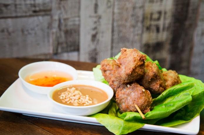 nem-nuong-pork-lemongrass-meatballs