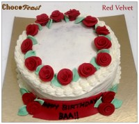 Red velvet cake with cream cheese