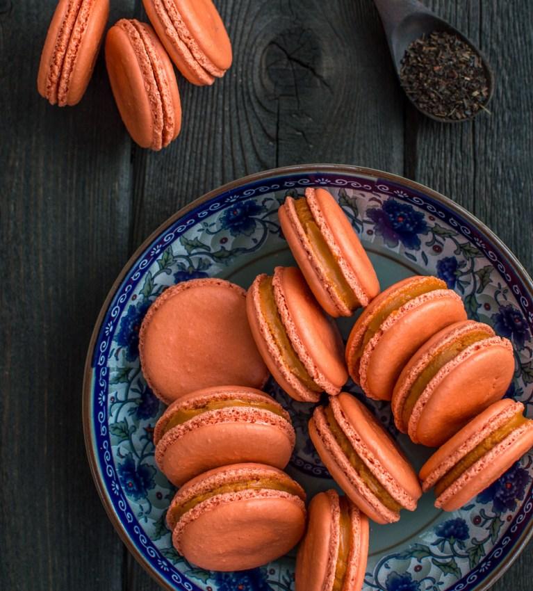 thai-tea-macarons-5