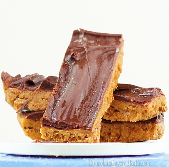 Homemade Butterfingers that are secretly GOOD for you?!  Addictively delicious snack bars w/ the same exact toffee-like crunch as real Butterfingers! Recipe link: http://chocolatecoveredkatie.com/2012/10/18/healthy-butterfingers/