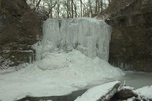 hayden_falls_frozen.jpg