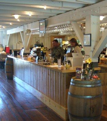 RoxyAnn Winery tasting room