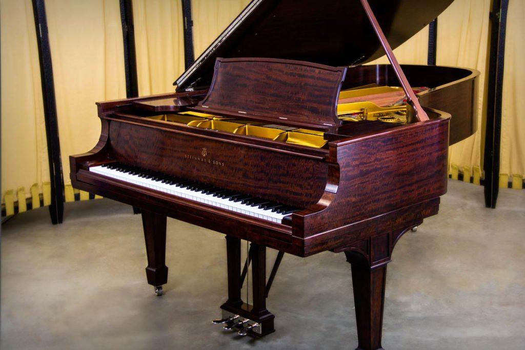 1917 Steinway Model C Grand Piano Flame Mahogany