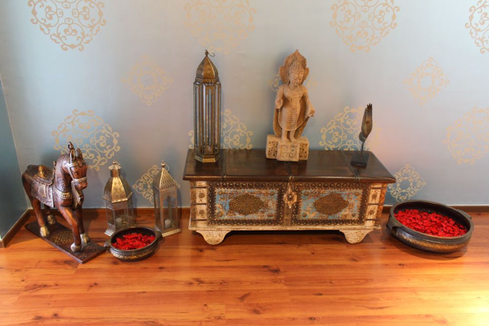 Tiffany Blue Indian Design entryway