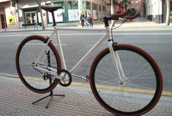 bici_blanca_marron_join3