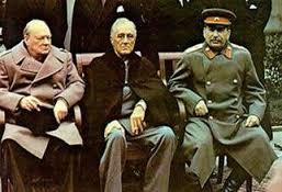 Churchill, Roosevelt y Stalin en Yalta.