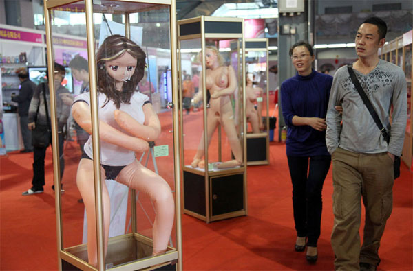 obama-sex-doll-3
