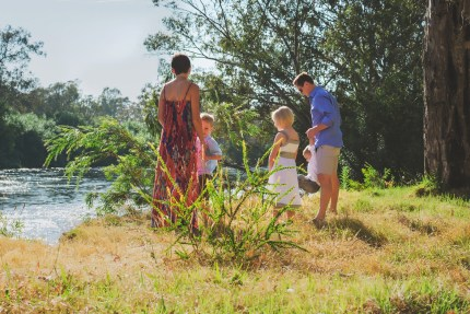 sydneyphotographer/family by river