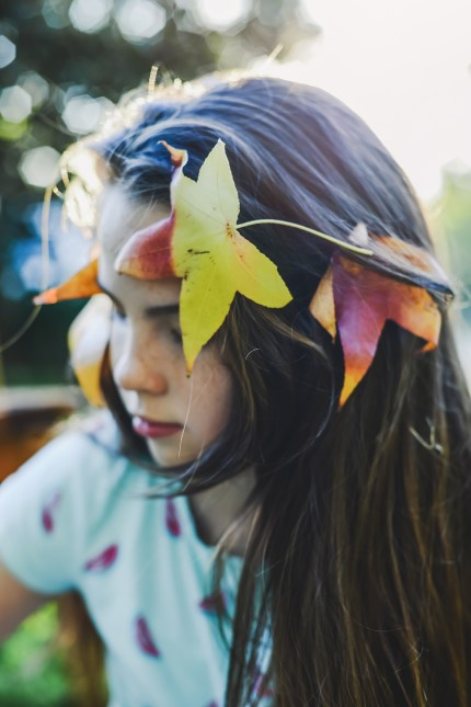 sydney photographer - girl with autumn leaves